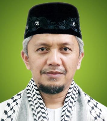 Ust. Hendri Tanjung, Phd (foto : Istimewa)